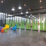 Vleuterweide_school_Utrecht_hall_package_glass_walls_multi_design_part_closed