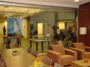 care_home_oosterhout_Glass_wall